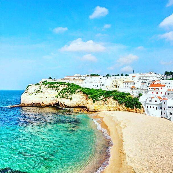 #Wanderlust ➡ #Bucketlist ➡ #NextVacation to #Portugal! First we take #Lisbon, then we take #Algarve!
