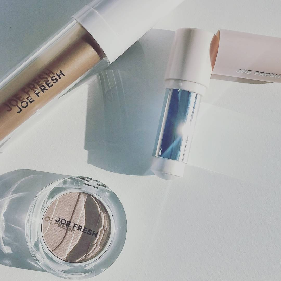 Feeling the @joefresh champagne shimmer... Let's reinstate #ChampagneFriday (that was a thing, right?)! #Joefreshbeauty #beauty now available @shoppersdrugmartofficial!