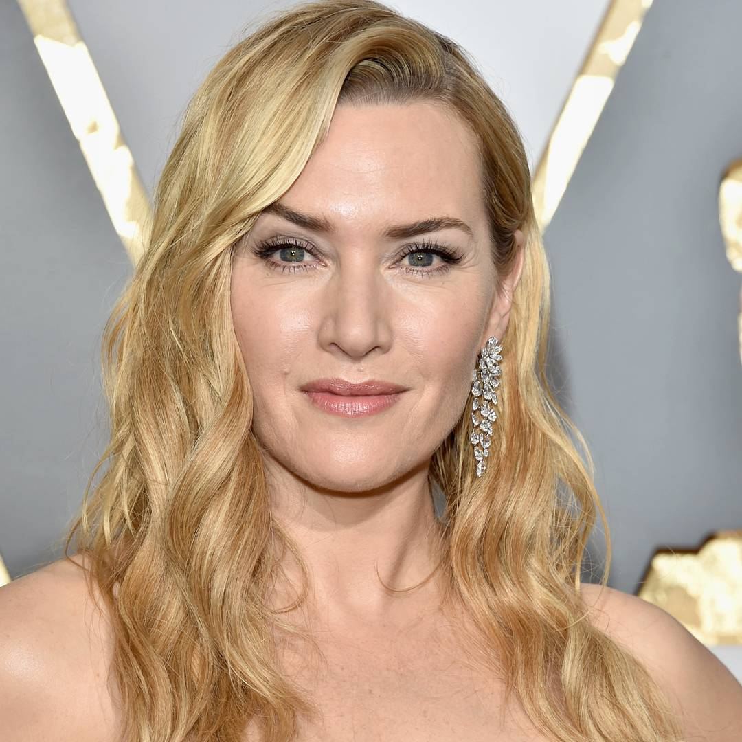 """yes, Yes, YES. Why, you ask? It's called #classic. This ensures you'll constantly be remembered for looking beautiful vs. """"who did your contouring?"""" Also, @lancomeofficial #GrandioseMascara ='s yes! MU 💄- @stephanieroy  #oscarsredcarpet #katewinslet #agelessbeauty"""