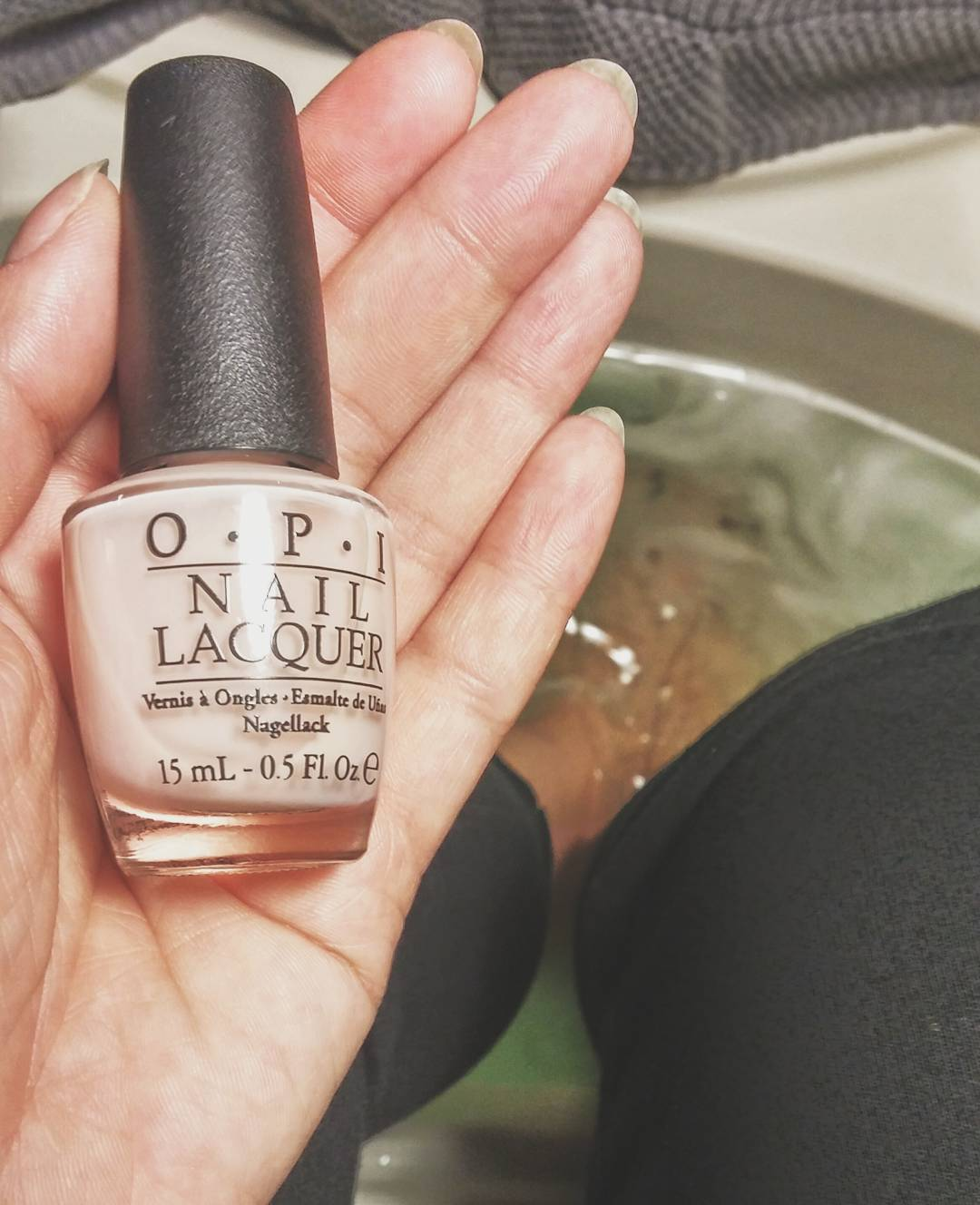A quiet hour spent at @CamdenSpa today coupled with one of my favourite @OpiCanada polish shades, #BarreMySoul 💅