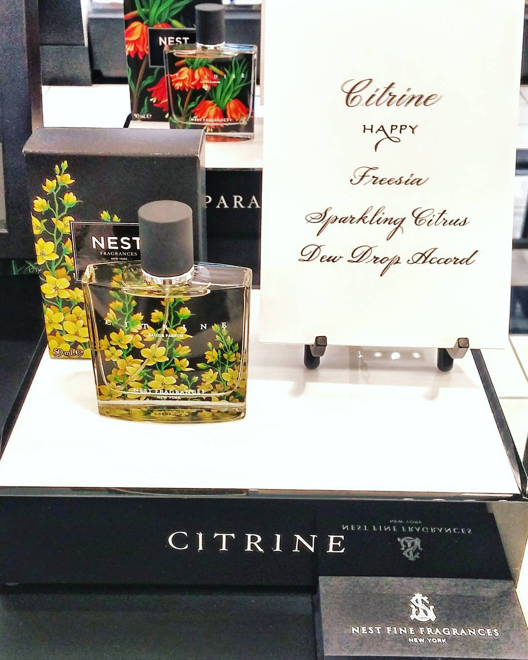 And then you smell something that just makes you feel happy - @nestfragrances's newest launch, #Citrine is by far one of the loveliest blends of notes I've smelled all year long. Check out the entire collection at the largest @sephoracanada location in *North America* @yongeeglintoncentre - opening today!