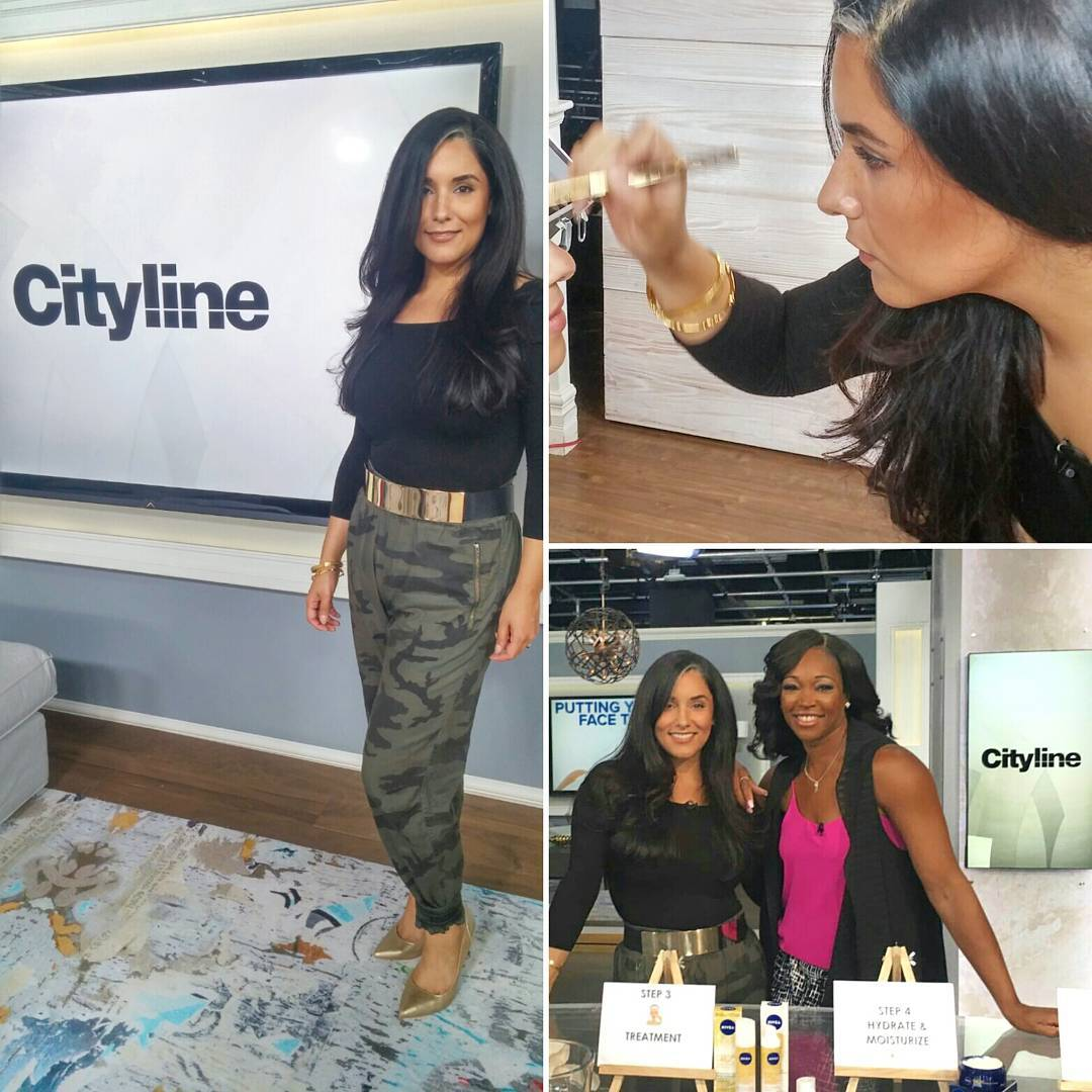 It's. Abt. To. Go. Down. #FashionFriday in under 30 min. on @citylineca just happens to be the biggest #twitter party ever! Catch my best tips in how to put your skin to bed, multiple fashion shows with @lynnspencestyle, perume and beauty goodies with @davelackie AND a full on glam makeover by @phillipe76 & myself! And the biggest giveaway ever in the show. Tune in for how to win your own swag bag!!