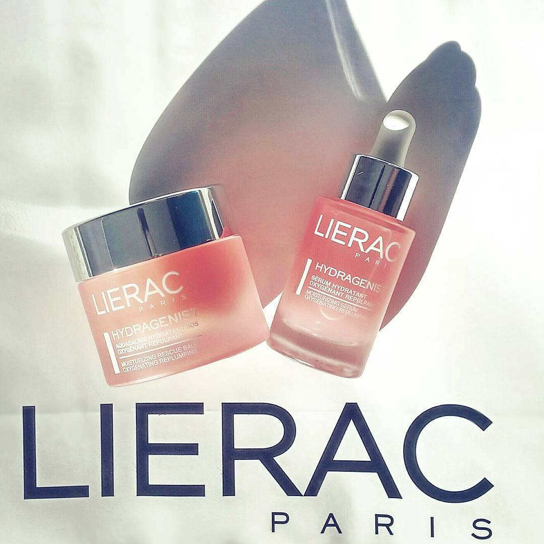 7 days in Curacao has left me in nees of some skincare s.o.s! Using @lieraccanada Hydragenist to rehydrate my parched(albeit tanned) skin and give it some 💘. Tune into @morningshowto tmrw for a full round-up of my top skin care picks for the first day of Fall!
