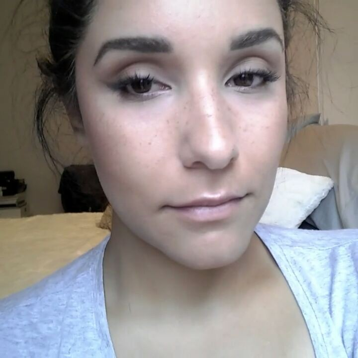 Lil' lip highlight demo with the super duper, easy to use @nudestix skin glossing pencil - new ❤!
