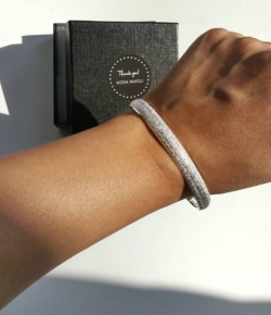 @koda_nivoli silver plated brushed metal bracelet sparkles and shines w/o the rock-like bling. New fav. bangle 💜