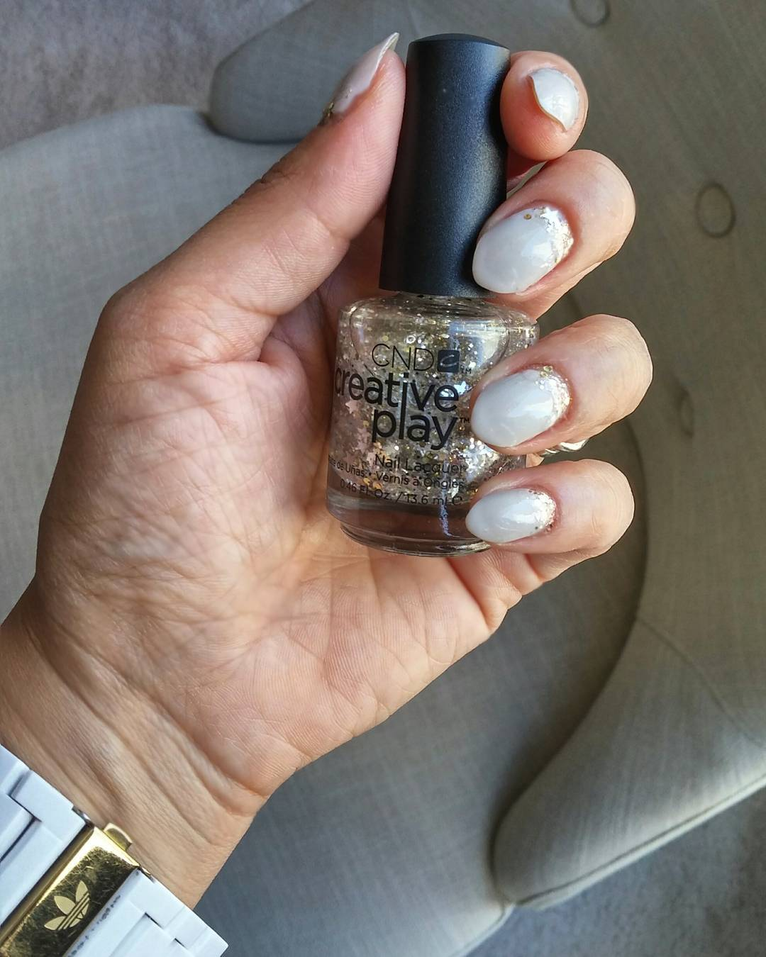 Thx to @cndcanada crwative play in #stellabration, my grown out CND #shellac in #cityscape is saved! #glittertotherescue!